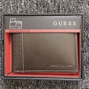 New Guess Men's Brown Leather Wallet